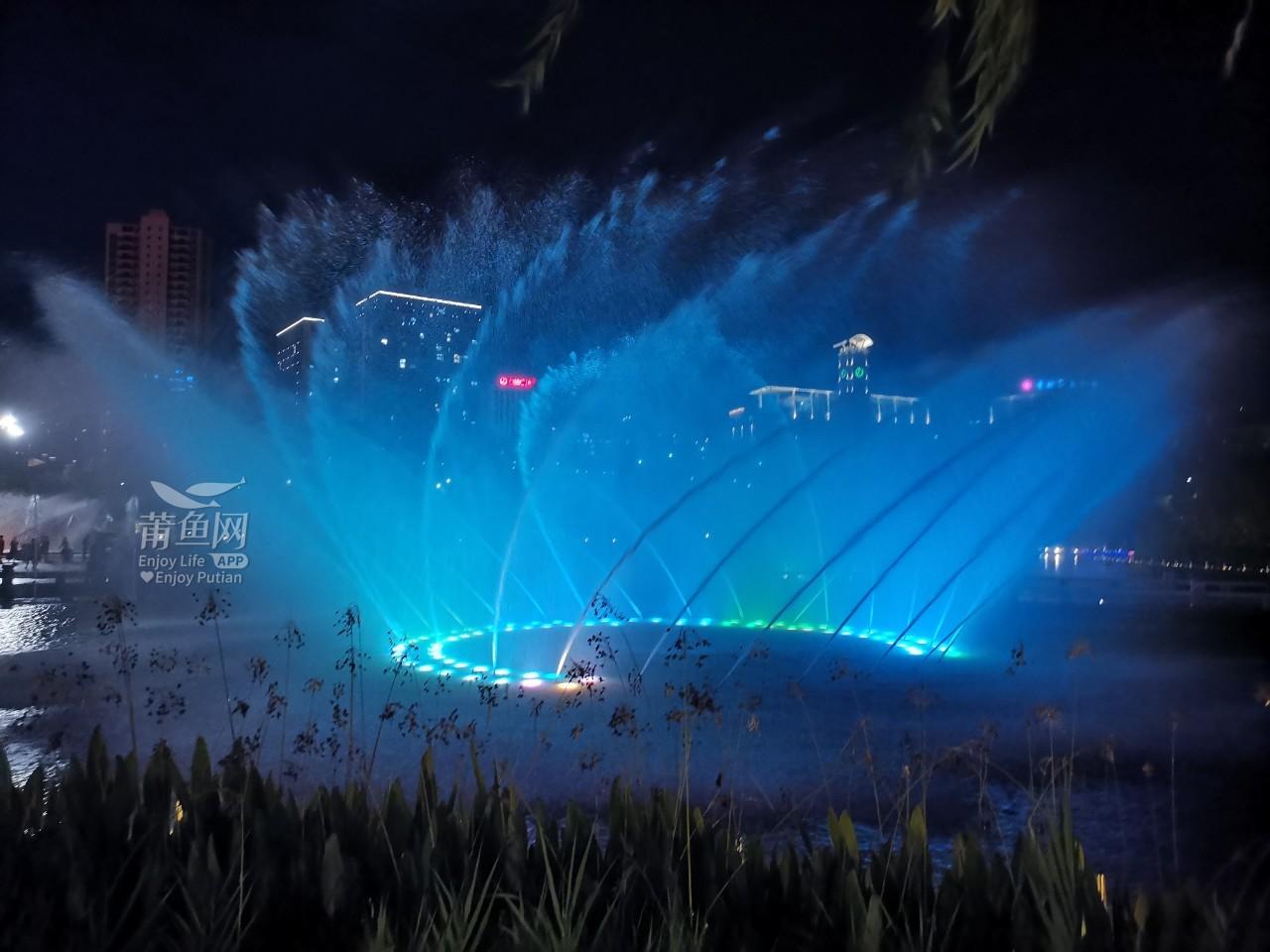 南湖喷泉 (2).jpg