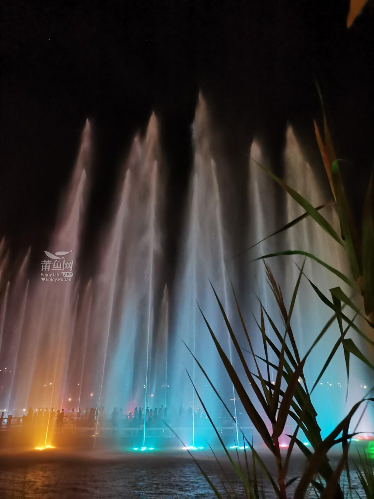 南湖喷泉 (7).jpg
